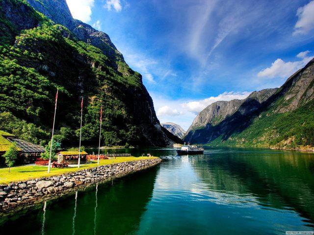 Скандинавия на длан (от Бургас)